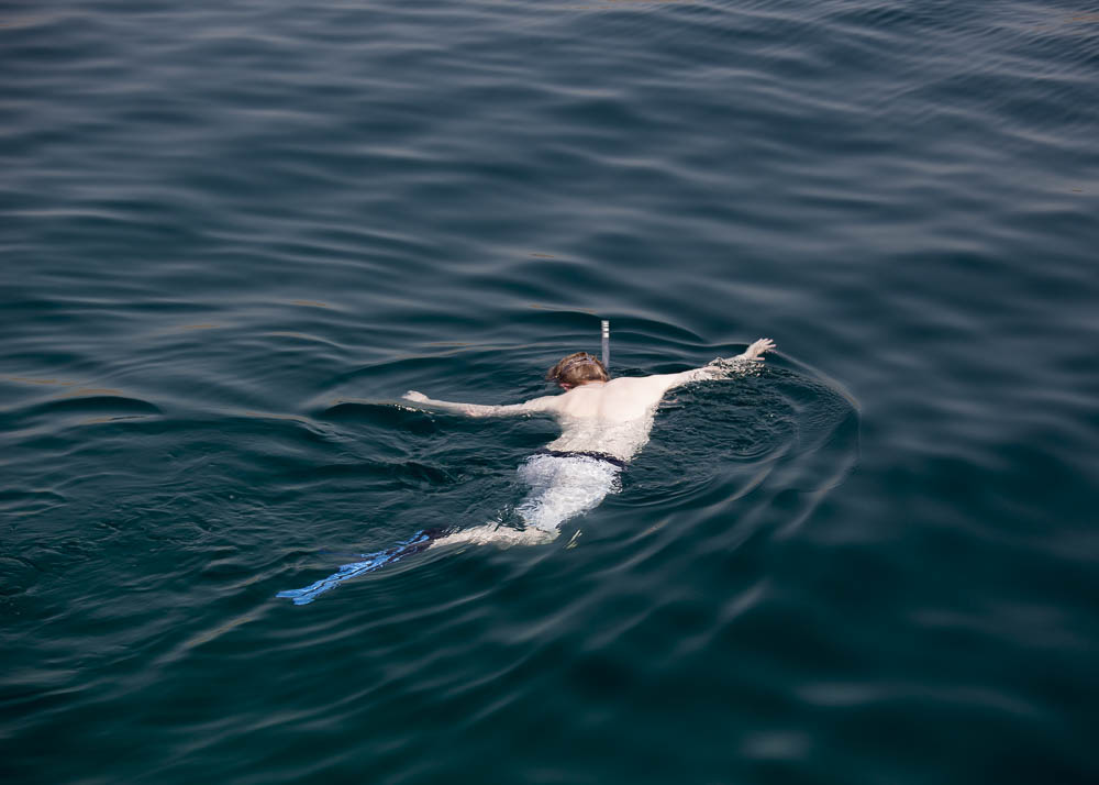 An english tourist swims in the Strait of Hormuz